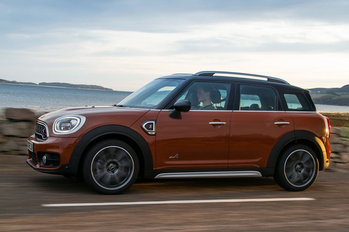 Mini Countryman Brown